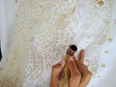 Kain tradisional batik dapat dijumpai dibanyak tempat selain jawa ...